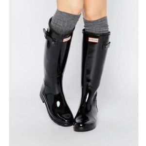 Hunter tall gloss black boots with socks